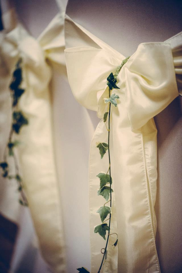 Add ivy to your bow